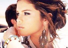 brown-earings-girl-hair-selena-gomez-Favim_com-307197