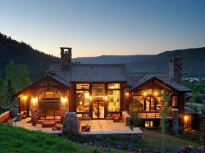slopeside-mountain-contemporary-home-in-aspen-colorado